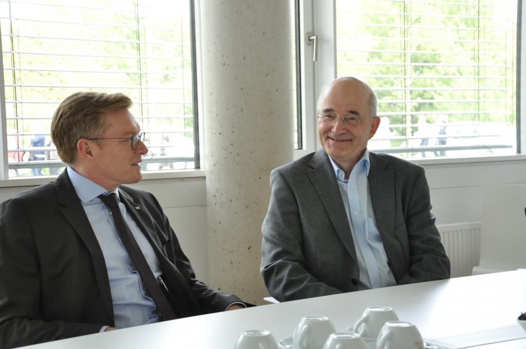 Treffen zwischen MHH Präsidenten und NAKO Vorsitzendem